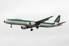 I-BIXL (PlanePixNase) Tags: london heathrow lhr egll planespotting airport aircraft alitalia airbus 321 a321