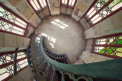 Escaliers de Chanteloup (Maxime Bonzi) Tags: escaliers tourraine amboise panasonic pagode chanteloup lumix venusoptics 75mm gh5 lumixfr