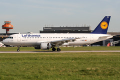 D-AIPD (PlanePixNase) Tags: aircraft airport planespotting haj eddv hannover langenhagen lufthansa airbus 320 a320