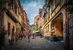 Riquewihr 2019 (EBoss Fotografie) Tags: alsace france riquewihr travel elzas street building colors europe fujifilm tourism city shop sky clouds people architecture soe twop supershot