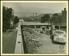 Fort Henry Bridge Construction (Ohio County Public Library) Tags: wheelingwv wheeling forthenrybridge fthenrybridge construction bridgeconstruction ohioriver i70