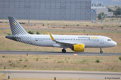 2019-06-24 MAD EC-MZT (Paul-H100) Tags: 20190624 mad ecmzt airbus a320 neo vueling