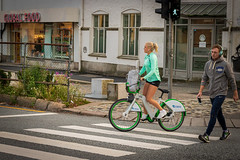 """Green is the theme"" (Terje Helberg Photography) Tags: globalfood obos backpack bicycle candid citylife cityscape citywalk green headphones man pedestrian pedestriancrossings people rucksack street streetphotography streetlife urban woman zebracrossing"