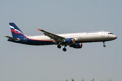 VP-BQS (PlanePixNase) Tags: aircraft airport planespotting paris cdg lfpg charlesdegaulle roissy aeroflot airbus 321 a321