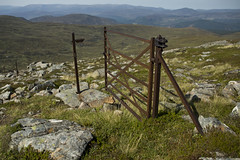 Don't Take A Fence But This Gate Is Useless (steve_whitmarsh) Tags: landscape aberdeenshire scotland scottishhighlands mountain hills highlands fence gate topic cairngorms