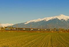 Dernières lueurs du soleil pour ce ter... (Isèretrains) Tags: saintpierredalbigny sncf trains ter bb22200 rcr