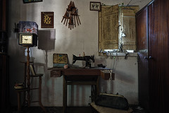 Grandma's nook (JG - Instants of light) Tags: room furniture sewingmachine oldthings antiques abandoned forgotten decay creepy dark shadows sala mobília máquinadecostura coisasvelhas antiguidades abandonado esquecido decair arrepiante sombrio sombras urbex exploraçãourbana lugaresabandonados lugaresperdidos amantesdadecadência mundodadecadência urbanexploration abandonedplaces lostplaces decaylovers worldofdecay nikon d5500 sigma 1020 portugal