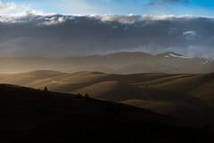Hills (Marco Damilano) Tags: paesaggio roccacalascio abbruzzo light luce colori controluce
