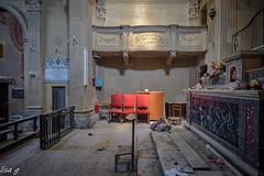 Padre Nostro (Annalisa Grassi) Tags: urbex urbanexploration church chiesa abbandono abandoned decay decadenza arteminore ilmondodilisa rosso