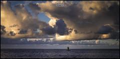 Horizonte / Horizon (Jose Antonio. 62) Tags: spain españa asturias gijón clouds nubes sea mar portlight luzportuaria horizonte horizon