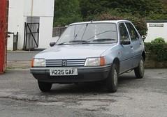 1990 Peugeot 205 1.1 GL (occama) Tags: h225gaf 1990 peugeot 205 gl 11 old car cornwall uk french blue bangernomics