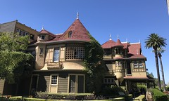 #WinchesterMysteryHouse #SanJose #California (Σταύρος) Tags: california sanjose winchestermysteryhouse northerncalifornia cali norcal kalifornia kalifornien californie 加州 カリフォルニア californië カリフォルニア州 주 калифорния كاليفورنيا 캘리포니아 καλιφόρνια แคลิฟอร์เนีย oldhouse winchester 1884 mansion exterior sunnyday palmtree