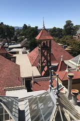 #WinchesterMysteryHouse #SanJose #California (Σταύρος) Tags: california sanjose winchestermysteryhouse northerncalifornia cali norcal kalifornia kalifornien californie 加州 カリフォルニア californië カリフォルニア州 주 калифорния كاليفورنيا 캘리포니아 καλιφόρνια แคลิฟอร์เนีย oldhouse winchester 1884 mansion roof ontheroof rooftop