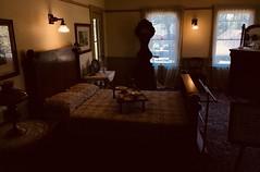 #WinchesterMysteryHouse #SanJose #California (Σταύρος) Tags: california sanjose winchestermysteryhouse northerncalifornia cali norcal kalifornia kalifornien californie 加州 カリフォルニア californië カリフォルニア州 주 калифорния كاليفورنيا 캘리포니아 καλιφόρνια แคลิฟอร์เนีย oldhouse winchester 1884 mansion lowlight bed bedroom