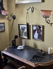 #WinchesterMysteryHouse #SanJose #California (Σταύρος) Tags: blackphone oldphone mydesk workplace workdesk california winchestermysteryhouse sanjose kalifornien californië kalifornia καλιφόρνια カリフォルニア州 캘리포니아 주 cali californie northerncalifornia カリフォルニア 加州 калифорния แคลิฟอร์เนีย norcal كاليفورنيا oldhouse winchester 1884 mansion