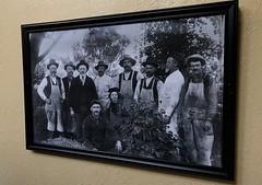 #WinchesterMysteryHouse #SanJose #California (Σταύρος) Tags: oldpictures oldhouse gardener gardeners househelp oldpicture blackandwhite picture california winchestermysteryhouse sanjose kalifornien californië kalifornia καλιφόρνια カリフォルニア州 캘리포니아 주 cali californie northerncalifornia カリフォルニア 加州 калифорния แคลิฟอร์เนีย norcal كاليفورنيا winchester 1884 mansion