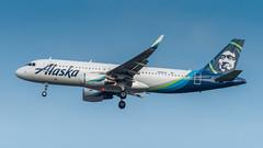 N282VA (gankp) Tags: washingtondullesinternationalairport arrivals airbus n282va alaskaairlines a320214 los angeles lax