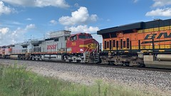 BNSF 768 (Christian Schnake) Tags: bnsf warbonnet c449w c419w 7448 4280 768 934 940 springfield mo thayer north subdivision