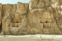 Tumbas de Naqsh-e Rostam (Saurí) Tags: naqshe rostam persia tumbas tombs iran