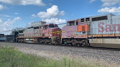 BNSF 940 (Christian Schnake) Tags: bnsf warbonnet c449w c419w 7448 4280 768 934 940 springfield mo thayer north subdivision