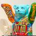 Bemalte Berliner Buddy Bären mit U-Bahn-Netz und den Sehenswürdigkeiten der Hauptstadt, wie Brandenburger Tor, Siegessäule und Reichstag