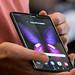 Tablet-Handy: Samsung Galaxy Fold 5G mit aufklappbarem Display lässt sich vom Handy zum Tablet umwandeln