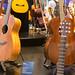 Elektro-Akkustikgitarre Storia II von Yamaha aus massiver Mahagoni