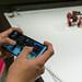 Komsa Gaming-Roboter: Mann steuert per Smartphone den GJS Robot