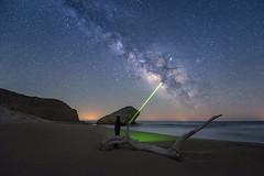 _DSC5538-9 (fjsmalaga) Tags: noche nocturna playa mar vl ngc laser arbol tronco