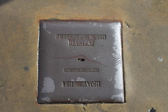 The Hatch Patent No. 283695 Cover (J. Elliott & Son, Halifax) (Ray's Photo Collection) Tags: cover elliott patent brighouse jelliottson thehatch 283695 streetfurniture west yorkshire yorks