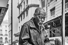 Mann (rainerneumann831) Tags: bw blackandwhite street strase streetphotography candid strasenfotografie monochrome urban ©rainerneumann mann portrait riodejaneiro