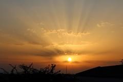 Tramonto.... Marsala (dona(bluesea)) Tags: cielo sky nuvole clouds tramonto sunset sole sun raggidisole sunbeams casa home marsala sicilia sicily