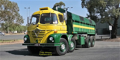 Foden at Kyabram (secret squirrel6) Tags: secretsquirrel6truckphotos craigjohnsontruckphoto australiantrucks bigrigs worldtrucks truckphotos truckshow vintage classic restoration twinsteer wagon truck lorry foden eight fouraxle turning