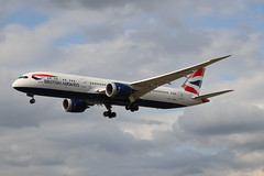 British Airways G-ZBKE LHR 05/08/19 (ethana23) Tags: planes planespotting aviation avgeek aeroplane aircraft airplane boeing 787 7879 britishairways speedbird ba