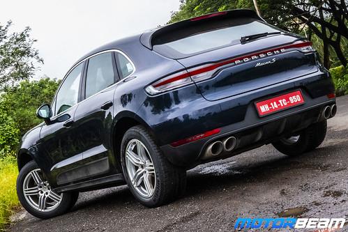 2019-Porsche-Macan-S-28