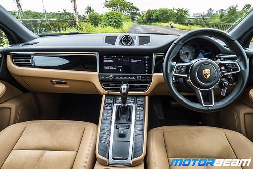 2019-Porsche-Macan-S-13