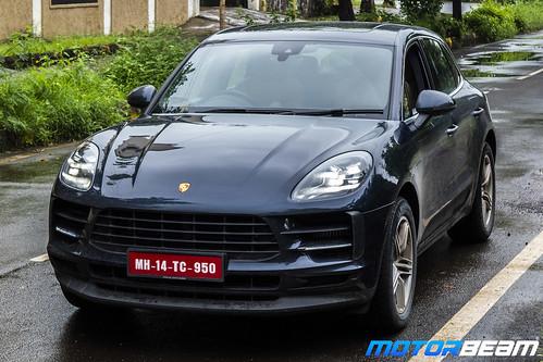 2019-Porsche-Macan-S-2