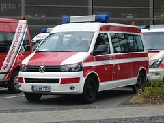 VW Transporter T5 - Feuerwehr Witten (TIMRAAB227) Tags: vw transporter t5 volkswagennutzfahrzeuge mtf mannschaftstransportfahrzeug firebrigade fireservice witten emergencyvehicle bonn