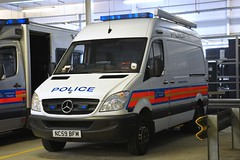 NC59 BFM (S11 AUN) Tags: london metropolitan police met mercedesbenz merc sprinter specialist response patrol incidentresponsevehicle irv cbrn chemical biological radiological nuclear 999 emergency vehicle nc59bfm