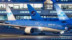 KLM B777 (Ramon Kok) Tags: 777 777200er 77e ams avgeek avporn aircraft airline airlines airplane airport airways amsterdam amsterdamairportschiphol aviation blue boeing boeing777 boeing777200er eham holland kl klm koninklijkeluchtvaartmaatschappij phbqf royaldutchairlines schiphol schipholairport thenetherlands badhoevedorp noordholland nederland