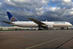N69063 UNITED 767-424ER at KCLE (GeorgeM757) Tags: n69063 united 767424er charter aircraft aviation airplane airport boeing kcle clevelandhopkins georgem757 widebody