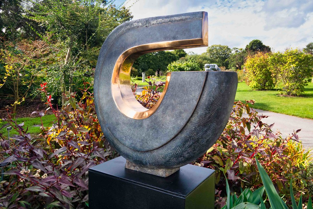 THREE QUARTER TURN BY MARK RYAN [SCULPTURE IN CONTEXT 2018]-155676