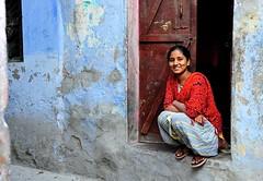 India- Rajasthan- Bundi (venturidonatella) Tags: india asia rajasthan bundi persone people gente gentes nikon nikond500 d500 colori colors donna ragazza woman girl portrait ritratto sorriso smile street strada streetportrait streetlife streetscene streetphotography