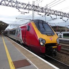 221142 at Crewe (12/9/19) (*ECMLexpress*) Tags: virgin trains west coast class 221 super voyager dmu 221142 crewe wcml
