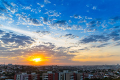 IMG_S3-3725 (Max Hendel) Tags: bymaxhendel bymaxhendelphotography brazil inbauruspbrazil pôrdosol solpoente sol sun sky céu color fimdetarde maxhendelphotography maxhendelphotostream sunrise goodmorning morning manhã