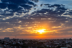 IMG_S3-3724 (Max Hendel) Tags: bymaxhendel bymaxhendelphotography brazil inbauruspbrazil pôrdosol solpoente sol sun sky céu color fimdetarde maxhendelphotography maxhendelphotostream sunrise goodmorning morning manhã