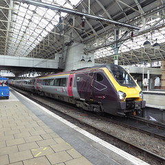 221140 at Manchester Piccadilly (12/9/19) (*ECMLexpress*) Tags: arriva cross country class 221 super voyager dmu 221140 manchester piccadilly wcml