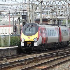221101 arrives at Crewe (12/9/19) (*ECMLexpress*) Tags: virgin trains west coast class 221 super voyager dmu 221101 crewe wcml