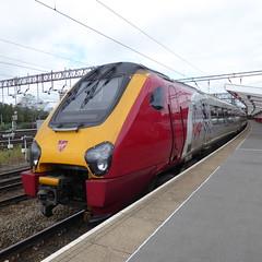 221143 at Crewe (12/9/19) (*ECMLexpress*) Tags: virgin trains west coast class 221 super voyager dmu 221143 crewe wcml