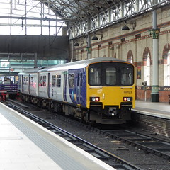 150123 at Manchester Piccadilly (12/9/19) (*ECMLexpress*) Tags: arriva northern class 150 sprinter dmu 150123 manchester piccadilly wcml